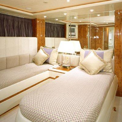 Wheels I Yacht Twin Stateroom