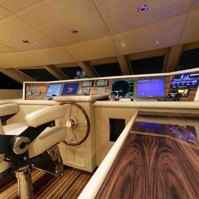 Dream Yacht Pilothouse