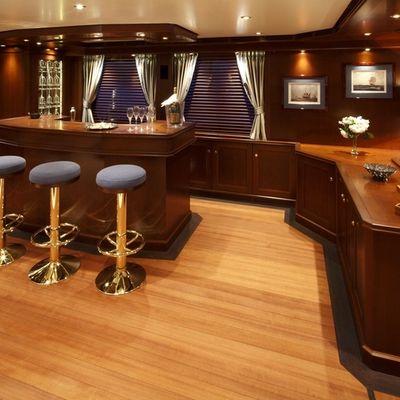 Axantha II Yacht Salon Bar