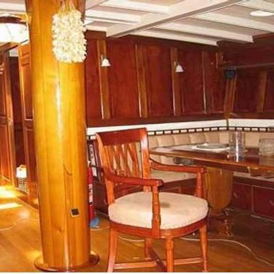 Sunshine Yacht Salon