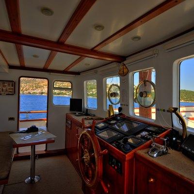 Silver Cloud Yacht Pilothouse