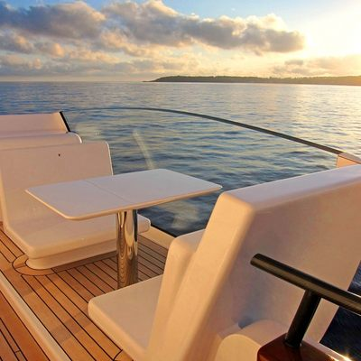 Air Yacht Side Deck - Seating