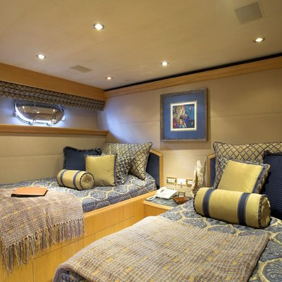 Nicole Evelyn Yacht Twin Stateroom