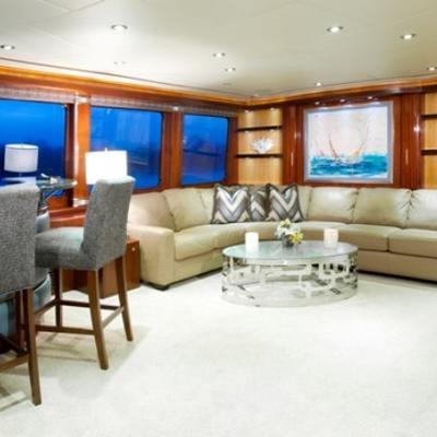 Just Enough Yacht Skylounge