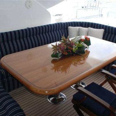 Wheels I Yacht Dining Table - Sundeck