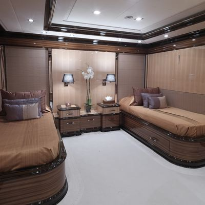 Meamina Yacht Twin Stateroom