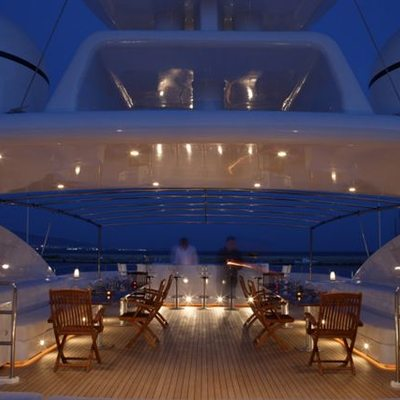 O'Ceanos Yacht Deck - Night