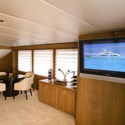 Silent World II Yacht Starboard Saloon