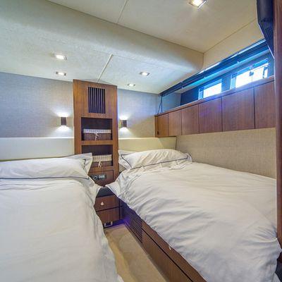 Schatzi Yacht