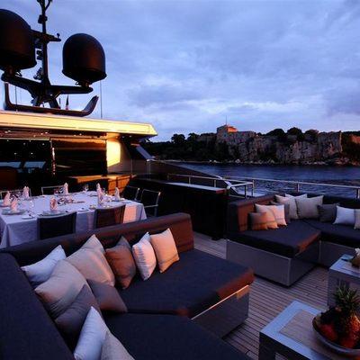 Bliss Easy Yacht Flybridge