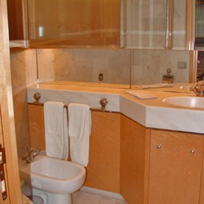 Secret Love Yacht Bathroom