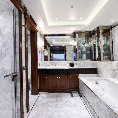 Seanna Yacht Master Bathroom