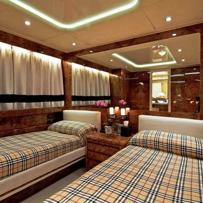 Obsesion Yacht Twin Stateroom