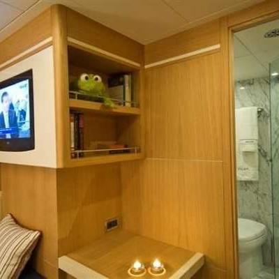 Zelda Yacht Stateroom & Shower Room
