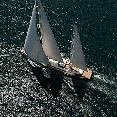 Fidelis Yacht Running Shot - Overhead