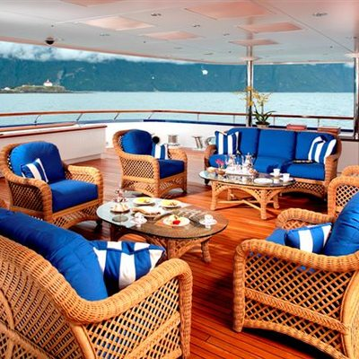 Laurel Yacht Exterior Seating