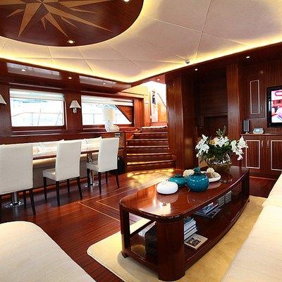 Carpe Diem IV Yacht Main Salon