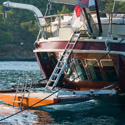Daima Yacht Swim Platform