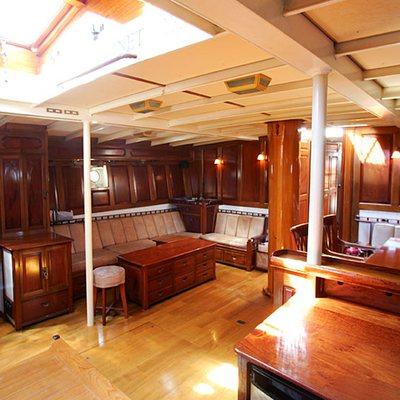 Sunshine Yacht Salon Overview