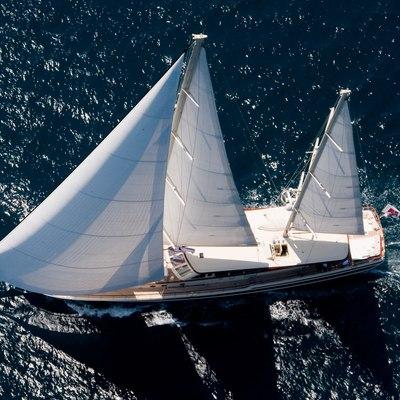 Daima Yacht Underway