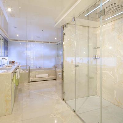 Vicky Yacht Master Bathroom