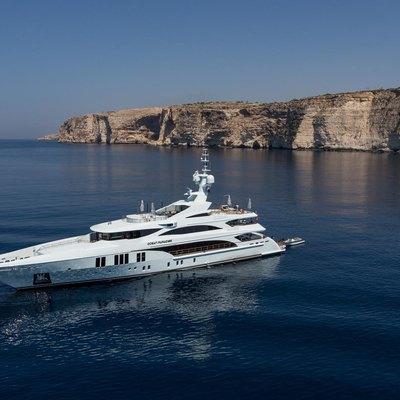 Ocean Paradise Yacht At anchor