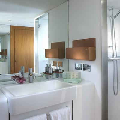 Dionea Yacht Master Bathroom