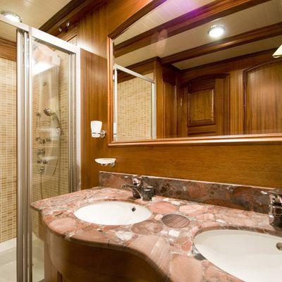 Take It Easier Yacht Guest Bathroom