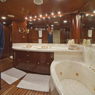 Sirahmy Yacht Master Bathroom