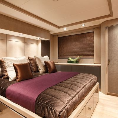 Griffin Yacht Purple Guest Stateroom