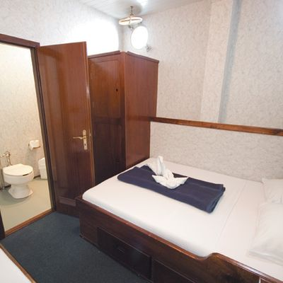 Mary Anne II Yacht Twin Stateroom