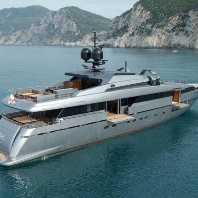 4A Yacht Side