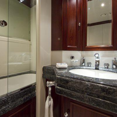 Legend Yacht Queen Bathroom