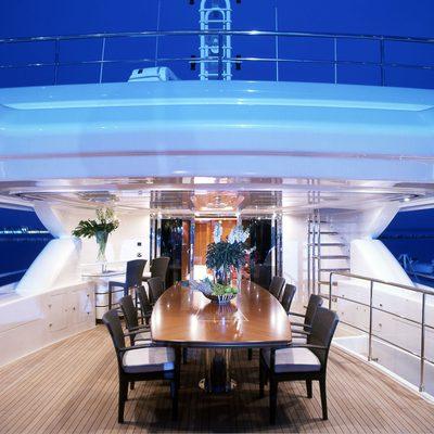 Bunker Yacht Upper Deck Dining