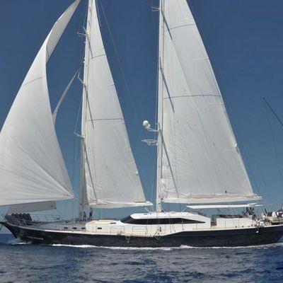 Ubi Bene Yacht Underway
