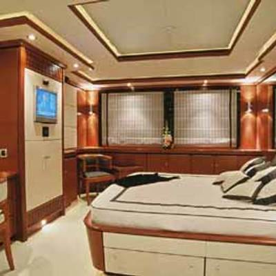 Magenta M Yacht Guest Stateroom