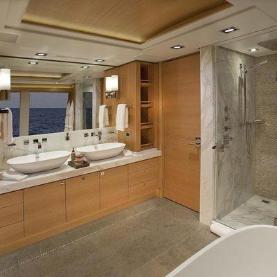 Big Fish Yacht Master Bathroom