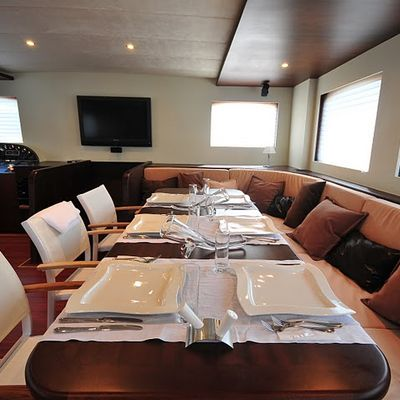 Casa Dell Arte II Yacht Dining Table