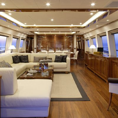 Dragon Yacht Saloon - Overview