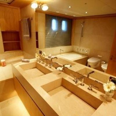 N.M.N Yacht VIP Bathroom