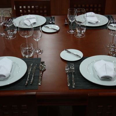 Seven Spices Yacht Table Set