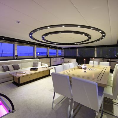 Perla del Mare Yacht Dining & Salon