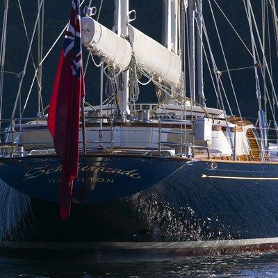 Asolare Yacht Stern