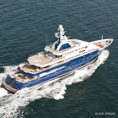 Huntress Yacht Running Shot - Aerial View