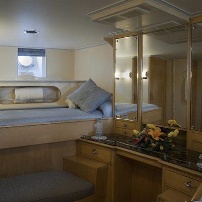 Istros Yacht Twin Cabin