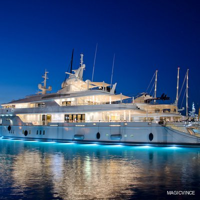 Siren Yacht Under Water Lights