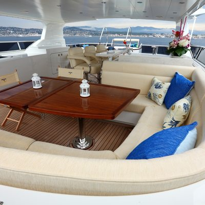 Smiling T Yacht