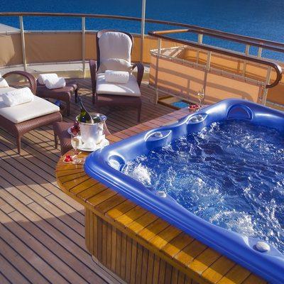 Seagull II Yacht Jacuzzi Deck