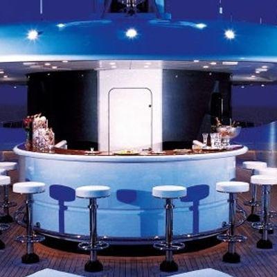 Sarah Yacht Bar - Night
