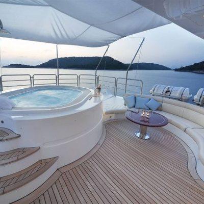 Harmony III Yacht Jacuzzi